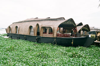 House boat 2